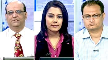 Video : Hold Hero Motocorp, Cairn India: experts