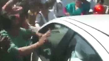Video : 'What wrong has he done?': Tharoor's wife after attack on his car