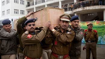 Video : Why isn't Chief Minister Omar at tribute for killed jawans, ask CRPF men