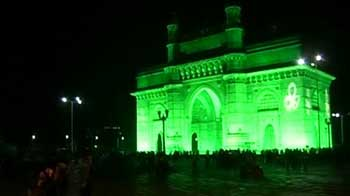 Video : Gateway of India goes green
