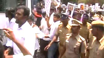Video : Hundreds of students arrested in Chennai for anti-Lanka protests