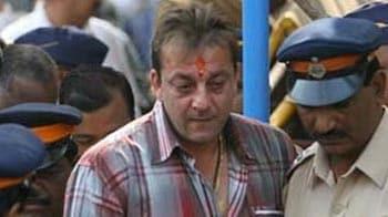 Video : Jaya Prada, Amar Singh appeal to Governor to pardon Sanjay Dutt