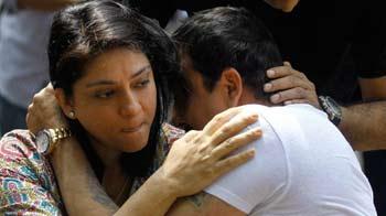Video : न्यूजरूम : मीडिया के सामने रो पड़े संजय दत्त