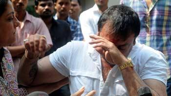 Video : Emotional Sanjay Dutt gets back to work
