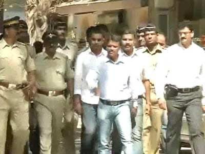 Video : Cop slapping incident: Probe report soft on Maharashtra MLAs