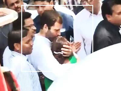 Video : Rahul's emotional meet with Sarabjit's family
