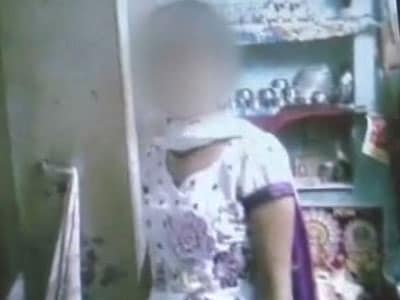 Video : Class 12 student shot dead at her home in Delhi