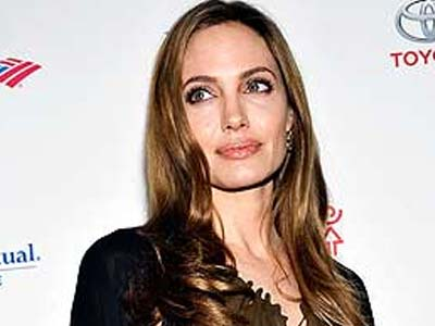 I had double mastectomy: Angelina Jolie