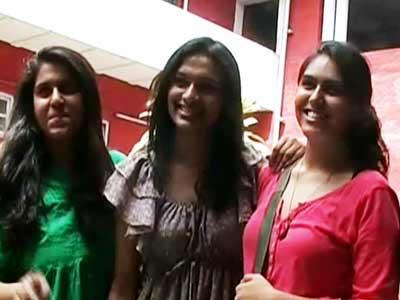 Video : सीबीएसई 12वीं में लड़कियों ने एक बार फिर लड़कों को पछाड़ा