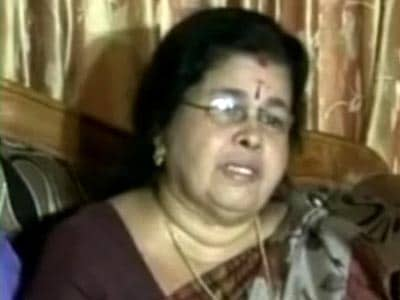 Video : Sreesanth's mother breaks down while talking about IPL scam