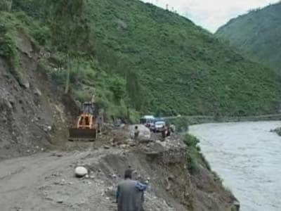 Video : Himachal Pradesh rain: Kinnaur still cut-off