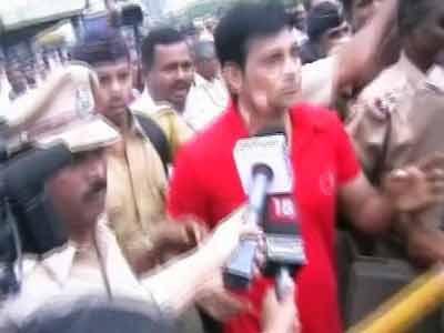 Video : नवी मुंबई : गैंगस्टर अबु सलेम पर जेल में हमला