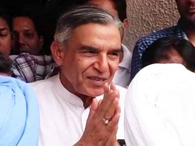 Video : Ex-minister Pawan Bansal not in chargesheet for rail scam