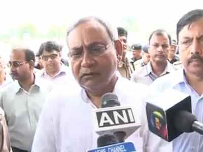 Video : Bodh Gaya temple blasts: Security was stepped up, but need to review it again, says Nitish Kumar