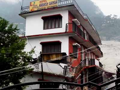 Video : 5-storey hotel in Uttarkashi washed away in seconds