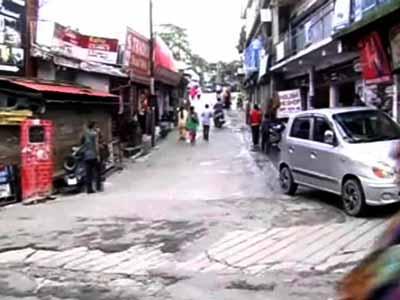 Video : In Uttarakhand, popular tourist destinations wear a deserted look