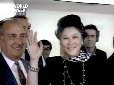 Video : The World This Week: Homecoming queen Imelda Marcos (Aired: November 1991)