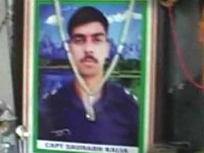 Video : Video shows Pakistani soldier sharing details of Kargil martyr Captain Kalia's encounter