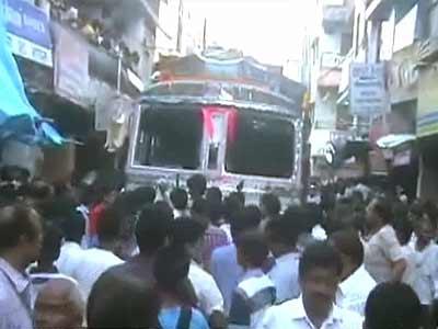 Video : सतना : बेलगाम ट्रक ने कई लोगों को कुचला, सात की मौत