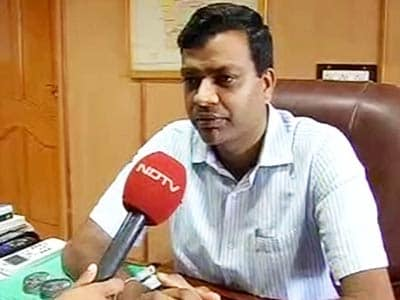 Video : Tamil Nadu bureaucrat shunted for crackdown on illegal sand mining