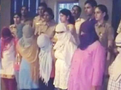 Video : फरीदाबाद में सेक्स रैकेट का पर्दाफाश, 16 गिरफ्तार