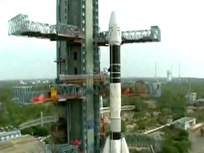 """Video : India's 200-crore space mission delayed after """"leak"""" in rocket"""