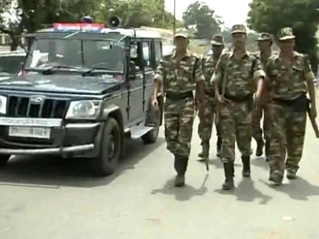 Video : Ayodhya turns into a fortress, security forces conduct flag march