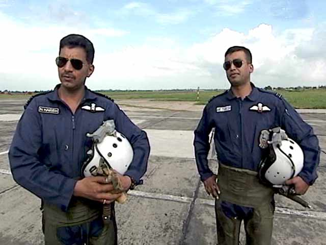 Video : Walk The Talk: The men who fly MiGs (Aired: September 2003)
