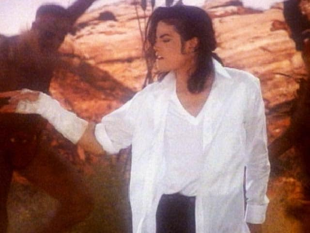MJ singing Black Or White is Dangerous (Aired: 1991)
