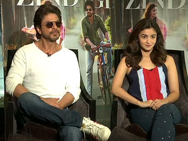Shah Rukh And Alia Bhatt Say This Is The 'Cruelest' Break-Up Line