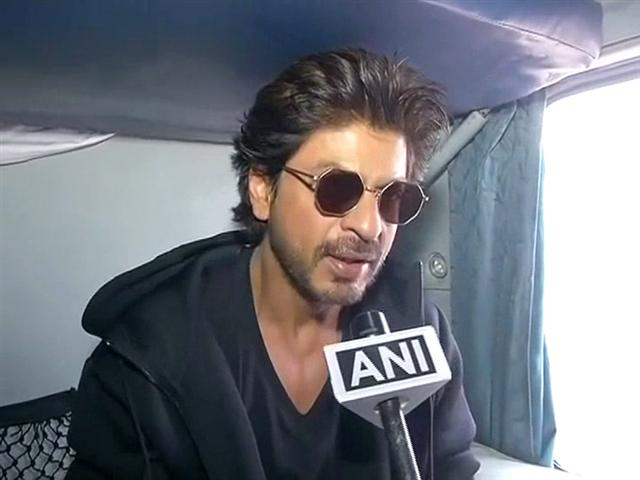 Shah Rukh Khan Made His Last Stop At Mathura