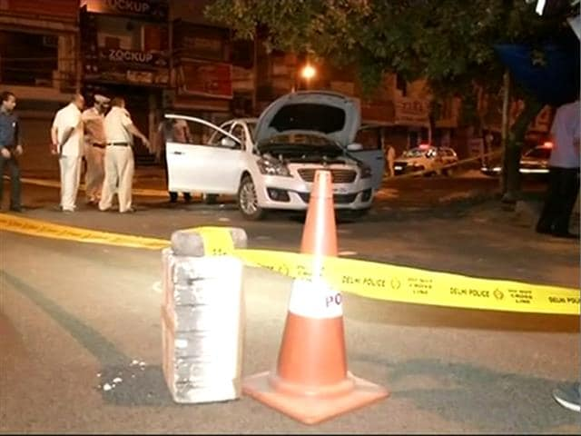 Video : 3 Including Police Officer Dead In Shootout Between Rival Gangs In Delhi