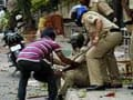 Video: Bangalore lawyers attack reporters with stones, iron chairs