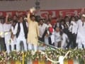 Video : Samajwadi Party workers on bad behaviour at Akhilesh swearing-in