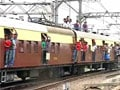 Video : Mumbai: 3 die after falling off overcrowded trains on Central line