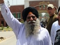 Video : Released after 30 yrs, Surjeet Singh crosses over to India