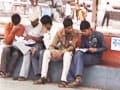 Video: In Nitish's Bihar, students have to study at a railway station