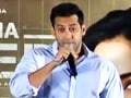 Video : Salman Khan mourns the death of Dara Singh