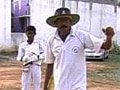 Video: This autorickshaw driver is also a skilled cricket coach