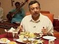 Video: ग्वालियर के जायके विनोद दुआ के साथ...
