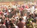 Video: Stand-off between police and protesters near India Gate