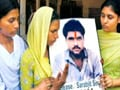 Video : Sarabjit continues to be critical; Pakistan stops consular access
