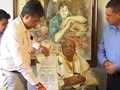 Video : Pran receives Dadasaheb Phalke award at home