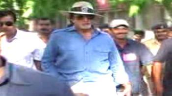 Video : Big B, Lion King of Gujarat