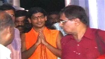Video : Bangalore 'sex swami' Nityananda gets bail
