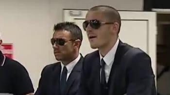Video : Italian team booed by fans on return
