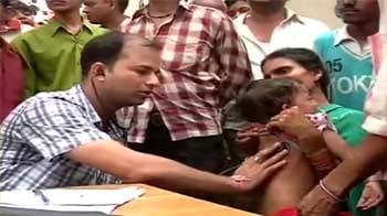 Video : 1200 Safdarjung doctors strike work; makeshift OPD set up