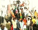 Video : Fury over land acquisition: UP farmers bring protests to Delhi