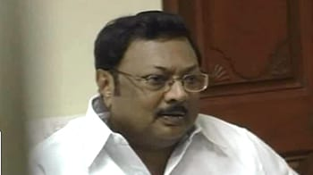 Video : Alagiri quits Cabinet over A Raja: Sources