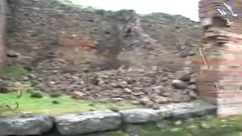 Video : Pompeii: Walls collapse at the 2,000-year-old site